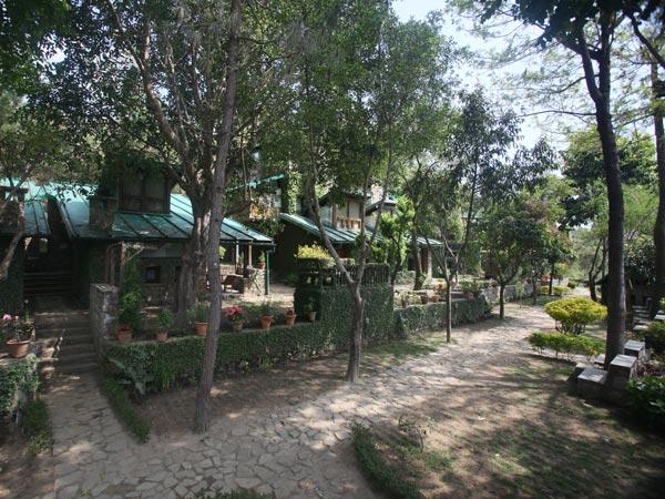 Monolith-Resorts1